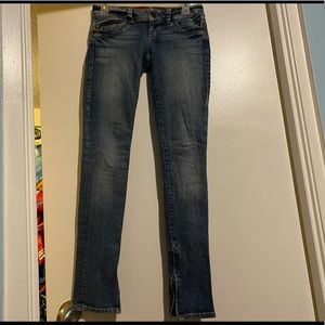 Guess  Skinny Jeans W/Inner Bottom Zippers